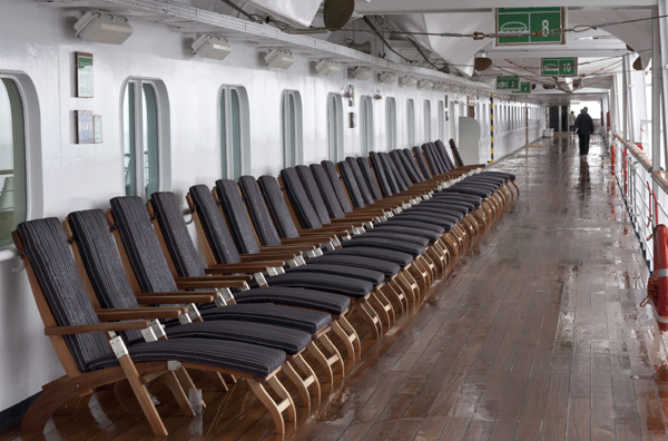 Media agency Mediapalooza - Deck chairs on ship